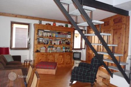 3 bedroom apartments for sale in Gignese. Apartment – Gignese, Piedmont, Italy