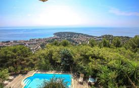 Houses for sale in Roquebrune — Cap Martin. Modern villa with a panoramic view of the Principality of Monaco and the Italian coast in Roquebrune Cap Martin