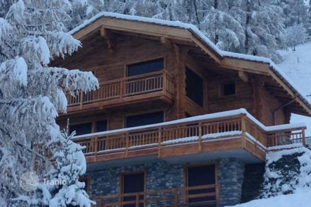 4 bedroom houses for sale in Alps. Superb chalet in Welsh resort — Zinal, Switzerland