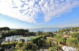 Cap d'Antibes — Panoramic sea views — Apartment to rent. Price on request