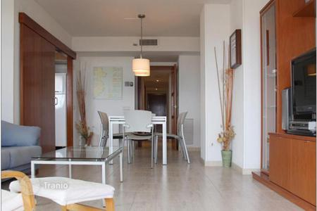 3 bedroom apartments for sale in Costa Brava. Modern fully furnished apartment with panoramic sea view, with pool and garden, near the port of L 'Escala, Costa Brava