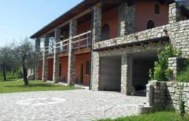 Luxury houses with pools for sale in Italian Lakes. Villa – Toscolano Maderno, Lombardy, Italy