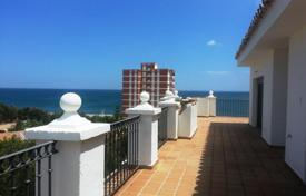 Coastal apartments for sale in La Duquesa. Apartment – La Duquesa, Andalusia, Spain