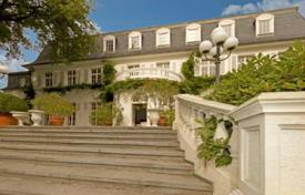 Grand villa with a huge plot and an apartment for staff, Dusseldorf, Germany for 4,900,000 €