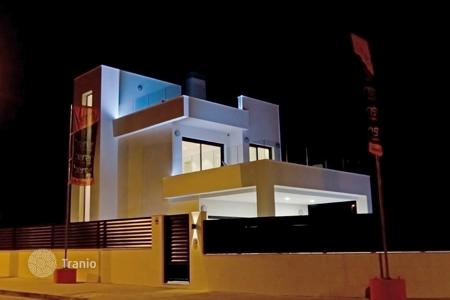 4 bedroom houses for sale in La Marina. Villa - La Marina, Valencia, Spain