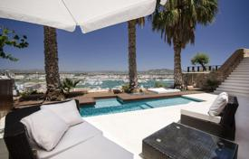 Apartments with pools for sale in Balearic Islands. Luxury Apartment with Pool and Stunning Views