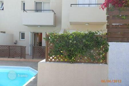 Coastal townhouses for sale in Paphos. 2 Bedroom Townhouse, Universal