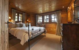 Chalets for rent in Swiss Alps. The chalet with 4 bedrooms, a living room with a fireplace, a balcony, a parking, and a billiard room, Verbier, Switzerland