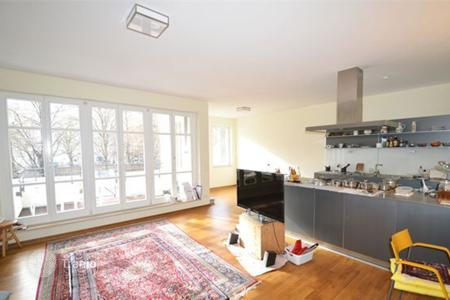 Residential for sale in Kreuzberg. Exclusive 4-room apartment with water views!