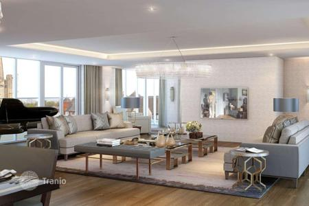Property for sale in London. The apartment with an exclusive SPA in a new residence near the metro station in Ealing, London
