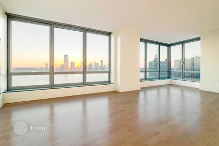 Condos for rent in New York City. West Street