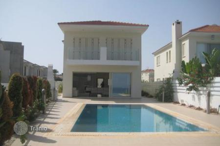 Luxury houses for sale in Protaras. 4 Bedroom Villa Beach Front — Protaras
