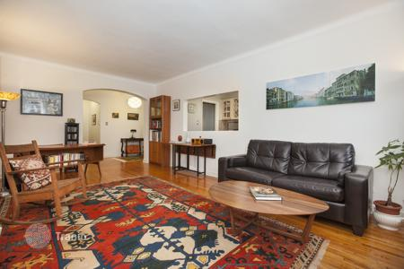1 bedroom apartments to rent in Brooklyn. Bright and Spacious corner 1 bedroom with room to grow