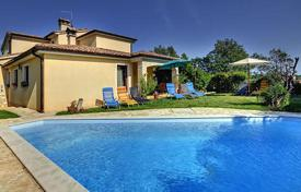 Houses with pools for sale in Pula. Detached house – Pula, Istria County, Croatia