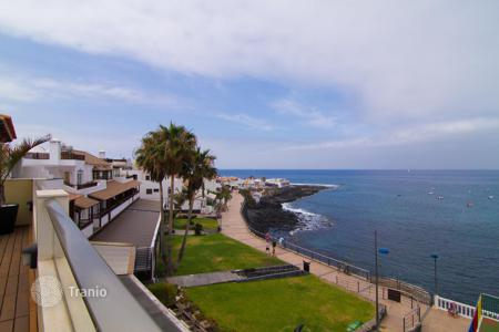 3 bedroom apartments for sale in Canary Islands. Amazing penthouse in La Caleta in Tenerife