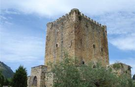 Property for sale in Burgos. XIV century castle with a large plot of land, Lezana, Burgos, Spain