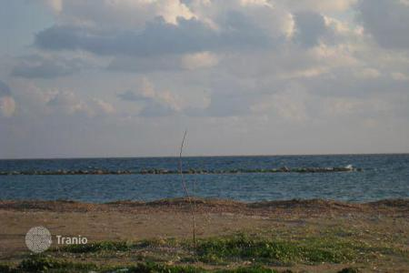 Coastal land for sale in Paphos. Tourist Zone Land, 100m to the sea — Geroskipou