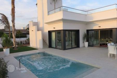 3 bedroom houses for sale in Murcia. 3 bedroom luxury style villas with private pool, BBQ and solarium in a golf resort in Sucina (Murcia)