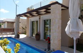 Houses with pools for sale in Crete. Detached house – Chania (city), Chania, Crete, Greece