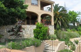 Houses and villas for sale in Barcelona. Villa – Sant Vicenç de Montalt, Catalonia, Spain