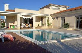 Houses with pools for sale in Pula. Villa – Pula, Istria County, Croatia