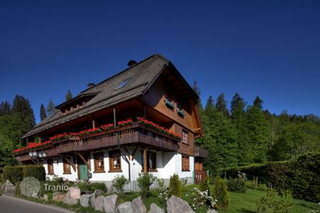 3 bedroom houses for sale in Germany. Charming Villa in Hinterzarten