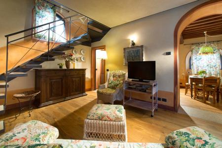 2 bedroom villas and houses to rent in Tuscany. Sovrana