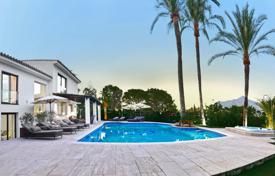 Luxury houses with pools for sale in Costa del Sol. Wonderful Modern Villa in Nueva Andalucía