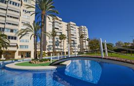 Apartments with pools for sale in Valencia. Aparttment a step from the sea in Alicante