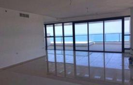 Penthouses for sale in Netanya. Modern penthouse on the first line with two terraces, overlooking the sea in Netanya