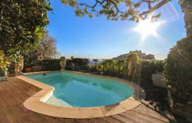 Stone villa with a swimming pool, gardens and a panoramic sea view, Eze, France for 2,150,000 €