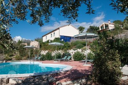 Residential for sale in Abruzzo. Guaranteed income! Villa for rent and house for residence with a pool and views of the mountains and the sea, in the south of region Abruzzo
