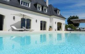 Property for sale in Aquitaine. Agricultural – Pau, Aquitaine, France