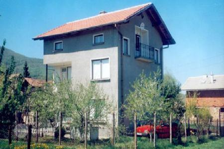 Cheap property for sale in Pernik. Detached house – Pernik, Bulgaria