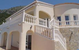 Residential for sale in Altea Hills. Lovely family house of 4 bedrooms with exceptional sea views in Altea