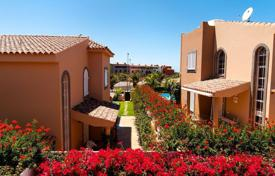 4 bedroom villas and houses to rent in Canary Islands. Villa – Gran Canaria, Canary Islands, Spain