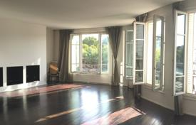 2 bedroom apartments for sale in Paris. Paris 4th District – Enjoying a superb view of the Seine and iconic landmarks