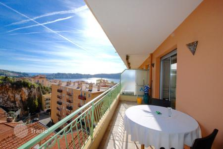 Cheap residential for sale in Côte d'Azur (French Riviera). Exceptional luxurious one bedroom apartment with spacious terrace, sea view and parking space