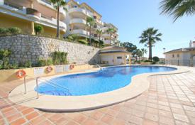 Spacious apartment with a terrace in a residential complex with a garden, a pool and a parking, Calahonda, Spain for 155,000 €