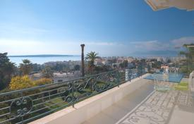 2 bedroom apartments to rent in France. Wonderful top floor apartment in Cannes