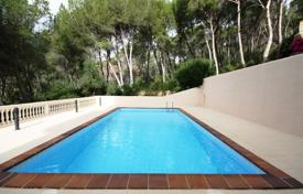 3 bedroom apartments for sale in Majorca (Mallorca). Apartment with a terrace in a residential complex with gardens, a pool and a parking, Port d'Andratx, Spain