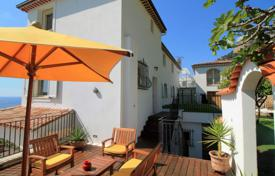 Residential for sale in Roquebrune — Cap Martin. Seaview villa with a direct access to a beach, on a fenced secured plot with a pool, Roquebrune — Cap Martin, Cote d'Azur