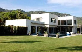 Luxury houses for sale in Costa del Maresme. Modern house in Cabrils, Maresme Coast