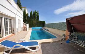 Houses with pools for sale in Los Dolses. Spacious villa with a swimming pool, a garden and a sea view in Los Dioses, Spain
