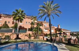 Cheap residential for sale in Andalusia. Two bedroom apartment in Monte Marina with sea views!