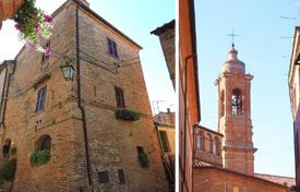 Apartments for sale in Umbria. Prestigious apartment in the heart of a beautiful historical center of Città della Pieve