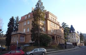 Apartments for sale in Karlovy Vary Region. The apartment is in a historic building, in one of the most attractive places in Karlovy Vary