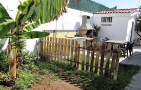 4 bedroom houses for sale in Gran Canaria. Magnificent Bungalow in Playa del Ingles