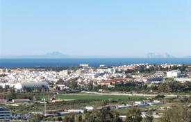 4 bedroom apartments for sale in Costa del Sol. Apartment for sale in Magna Marbella, Nueva Andalucia