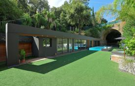 Property to rent in France. Large Modern Villa in Cannes